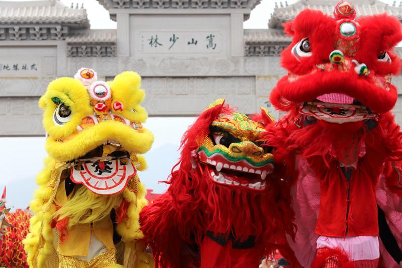 2018年春节黄金周 30万中外游客嵩山少林祈福许愿赏民俗